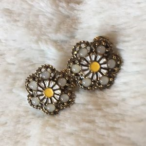 Jewelry - Vintage Clip-On Earrings